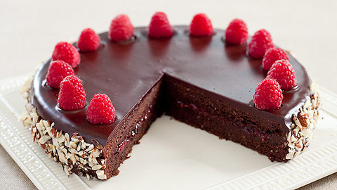 Feature landing 16x9 cvr sfs chocolate raspberry torte 006 1