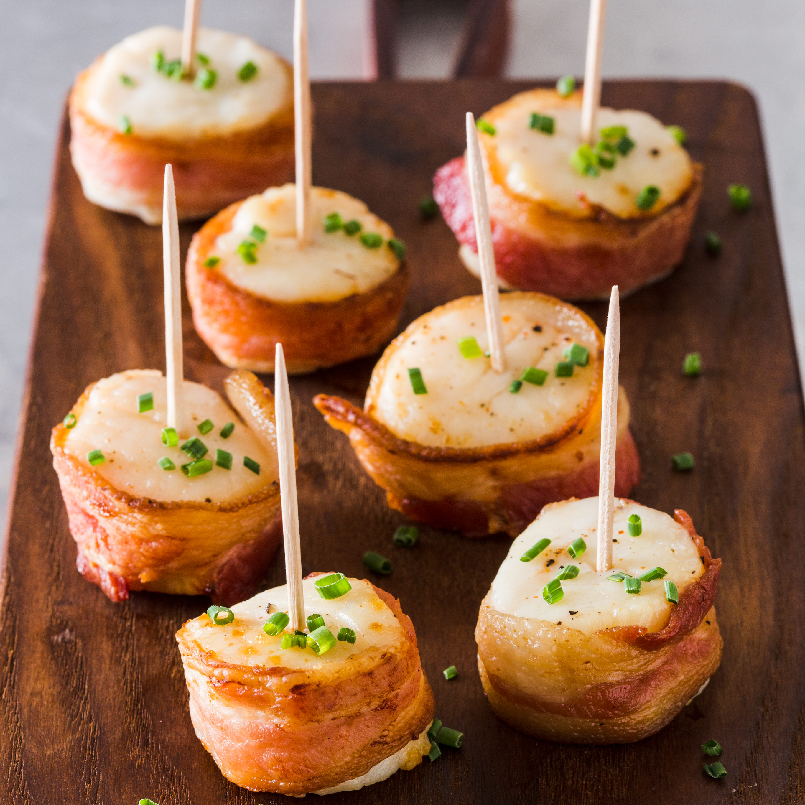 broiled scallops wrapped in bacon