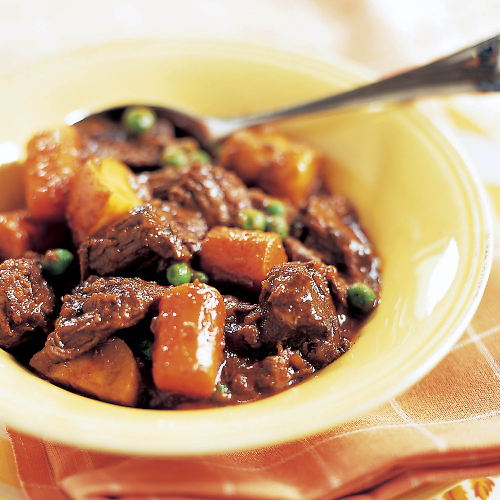 2659_SFS_SlowCookerStew_CC_article.jpg