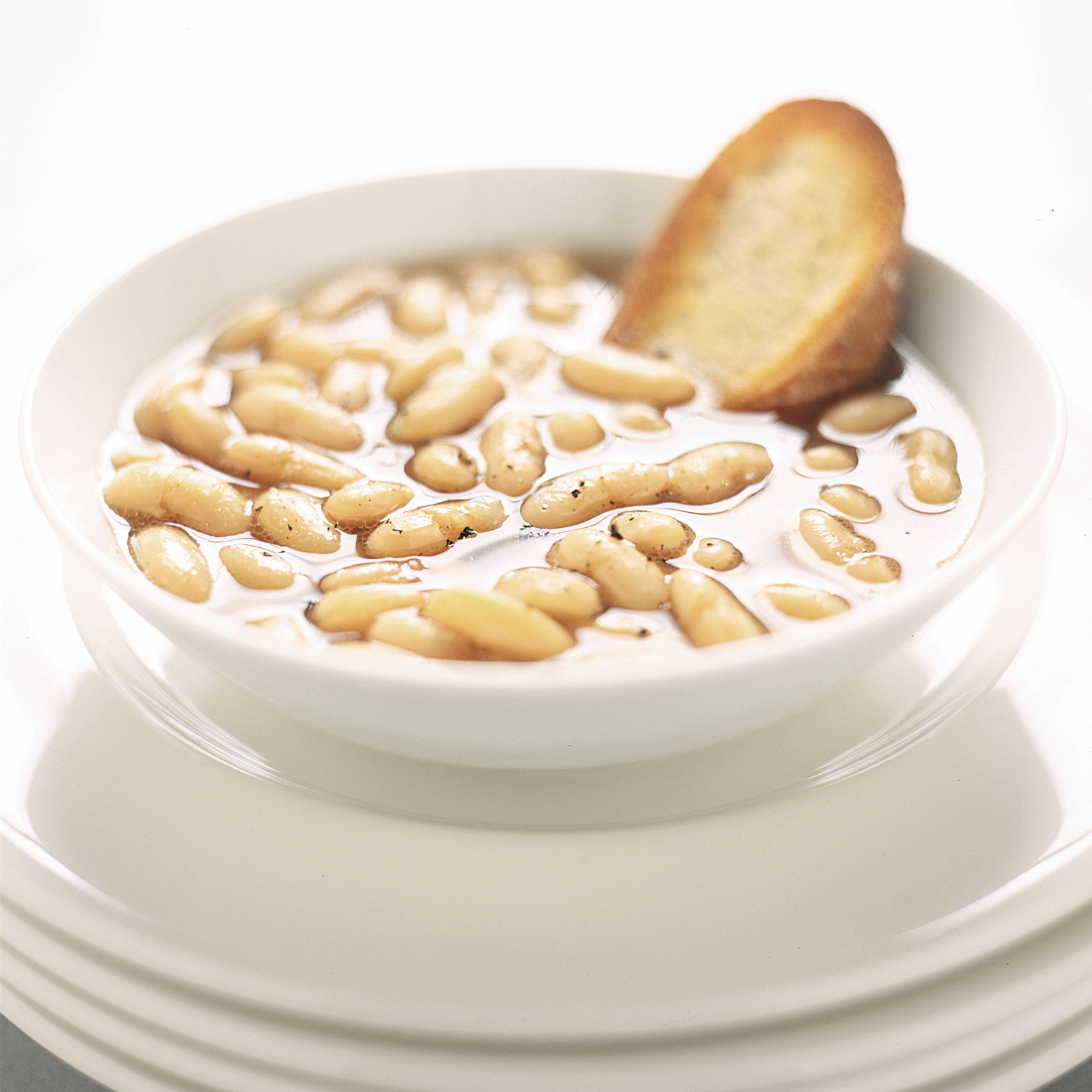 SFS_Slow-Cooker-Tuscan-White-Bean-Soup_article.jpg