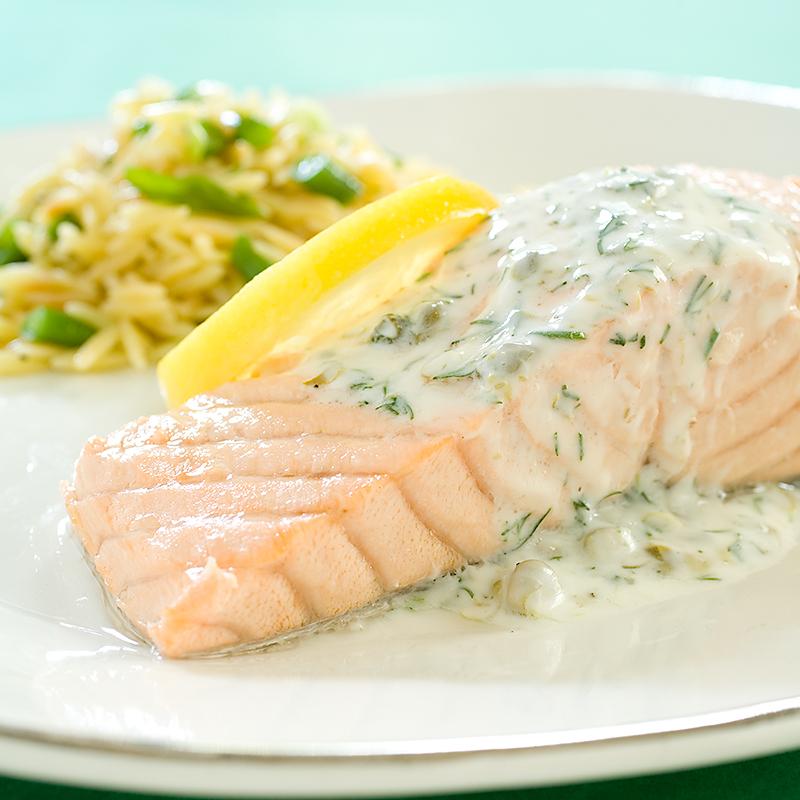 Poached Salmon with Dill-Yogurt Sauce