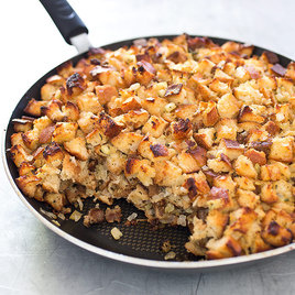 Detail sfs crispyskillet stuffing with 20sausage 12
