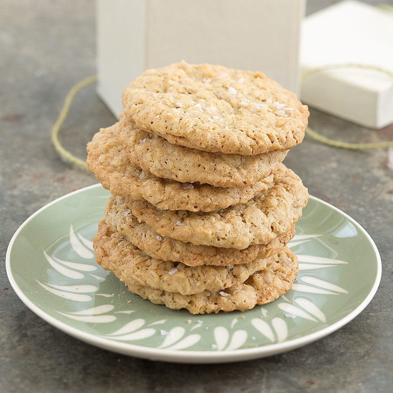 Salty Thin and Crispy Oatmeal Cookies
