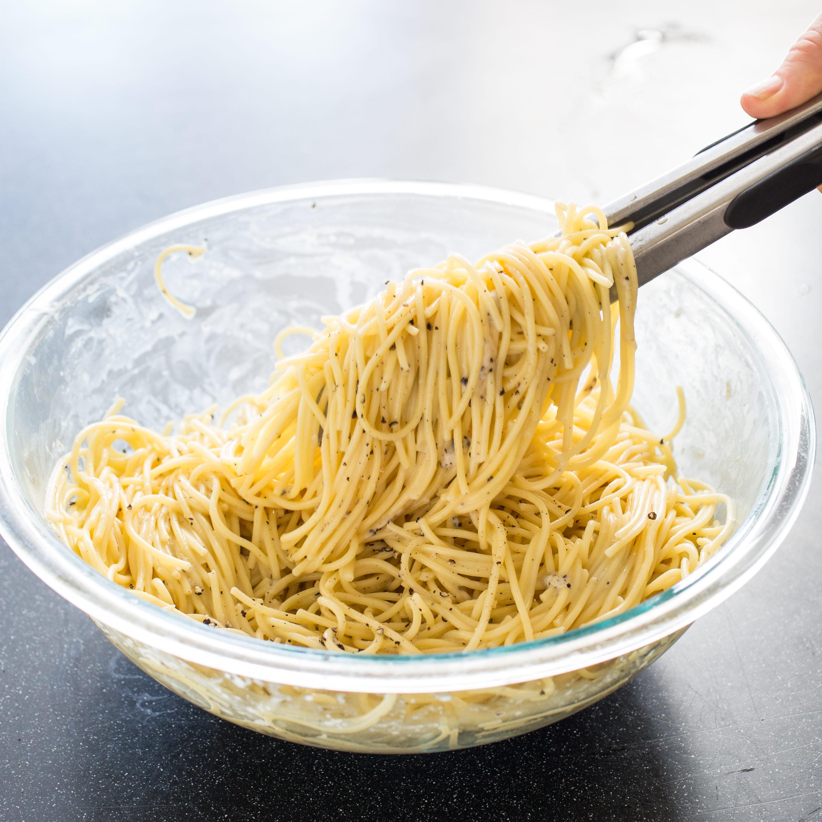 Spaghetti with Pecorino Romano and Black Pepper (Cacio e Pepe)
