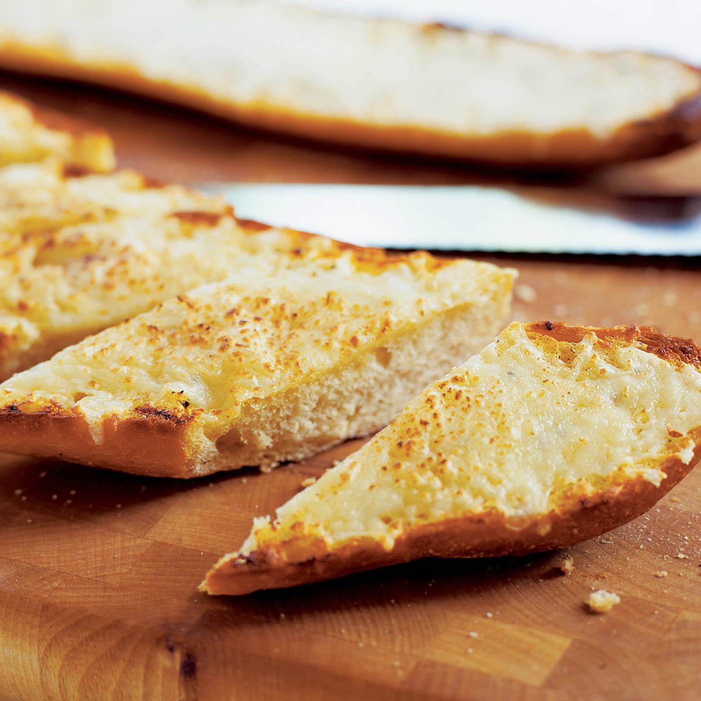 America S Test Kitchen Classic Garlic Bread