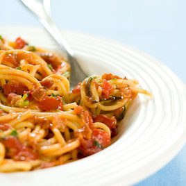 Detail dj08 sfs 4c pasta 20tomato 20bacon 20onion a 001 279769
