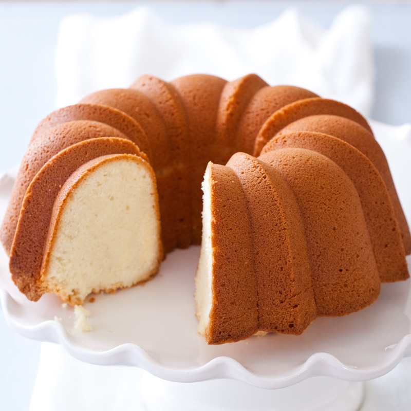 Easy Moist Sour Cream Pound Cake