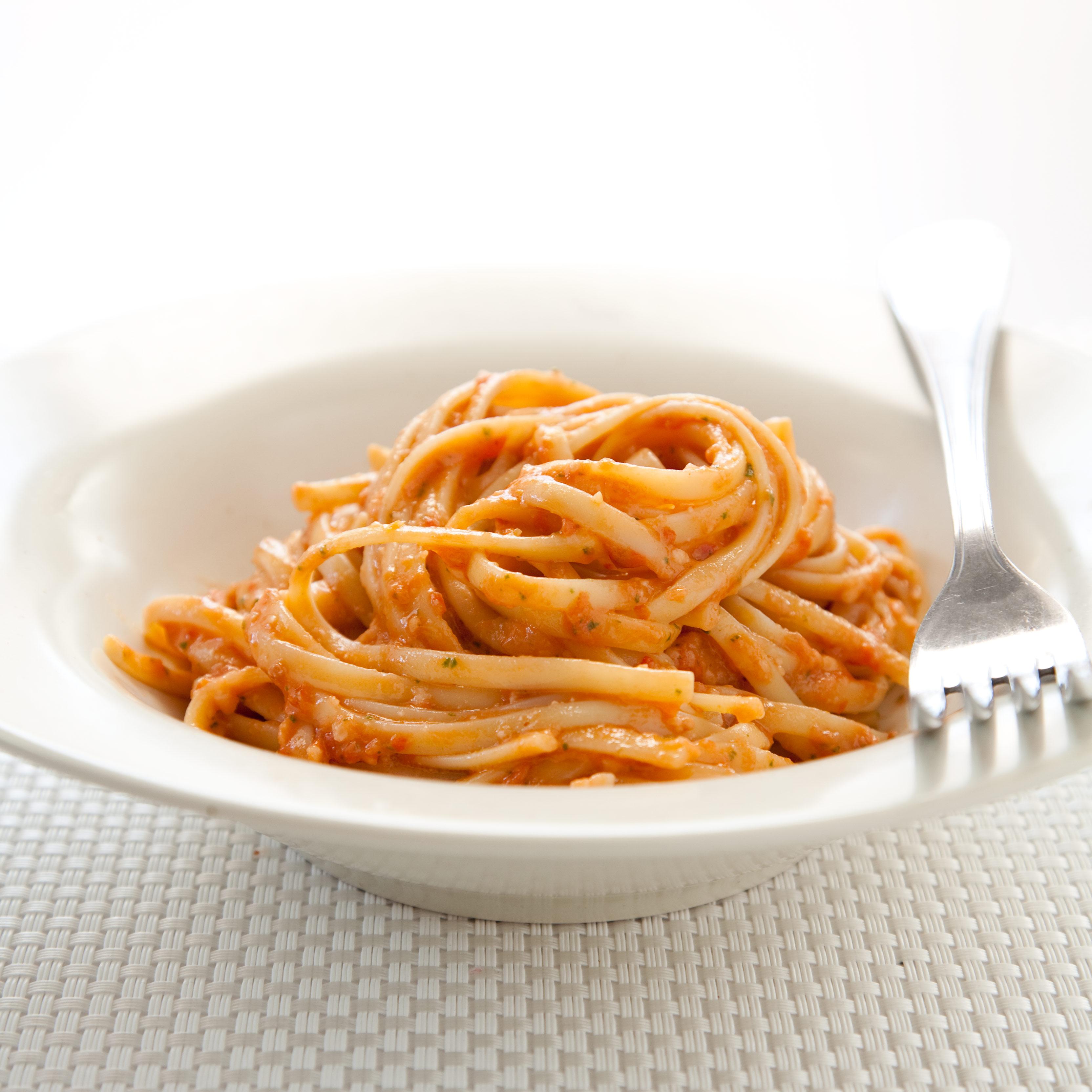 Pasta with Tomato and Almond Pesto (Pesto Alla Trapanese) Recipe ...
