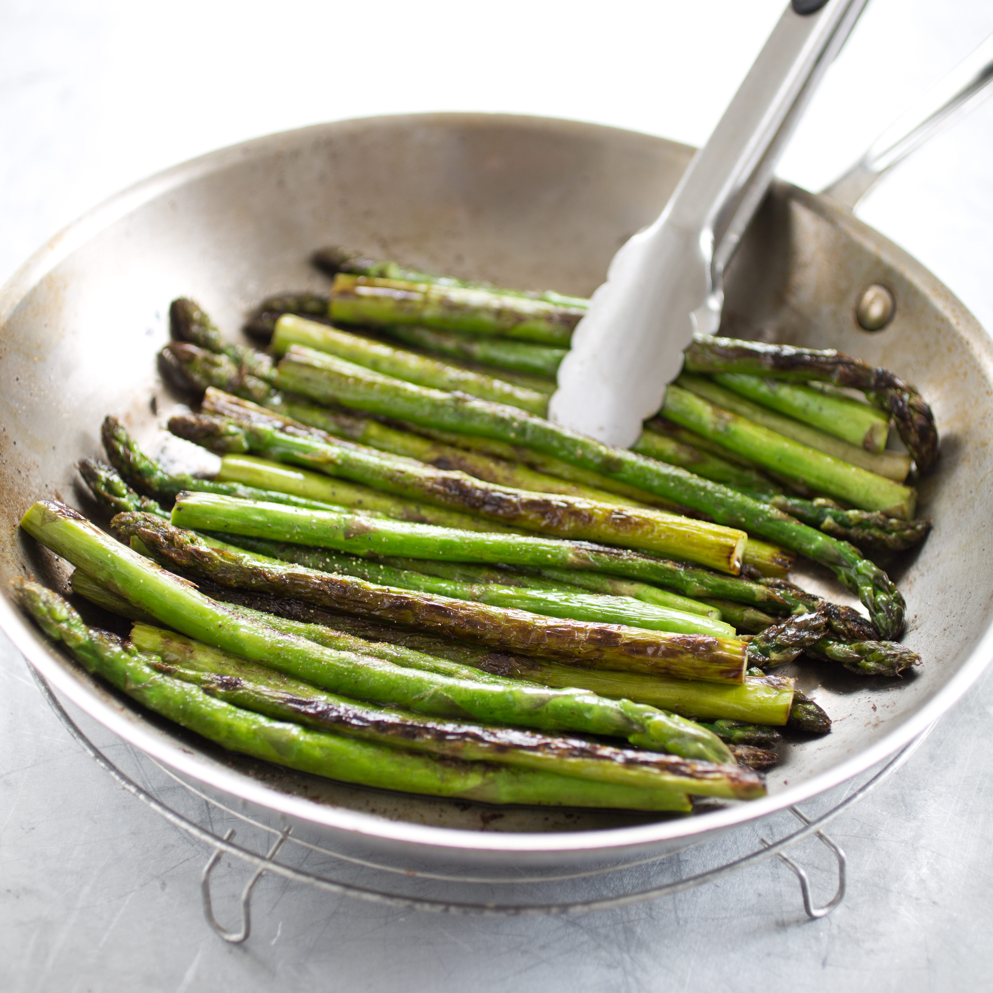 Pan-Roasted Asparagus with Toasted Garlic and Parmesan Recipe ...